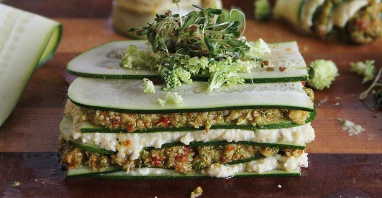 raw vegan lasagne med solrosskott
