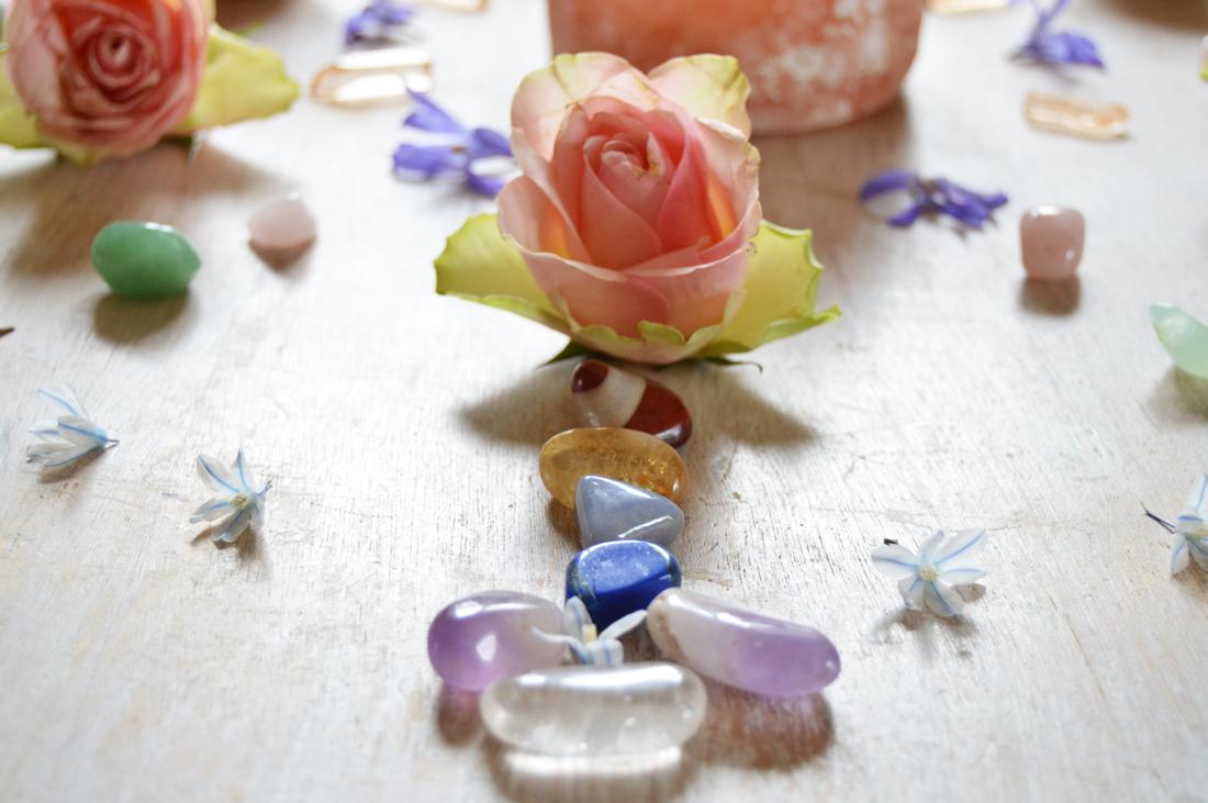 tanja-dyredand-yoga-kristaller