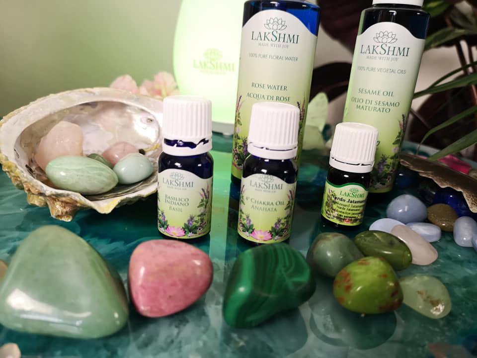 eteriska oljor, aromaterapi. chakra healing